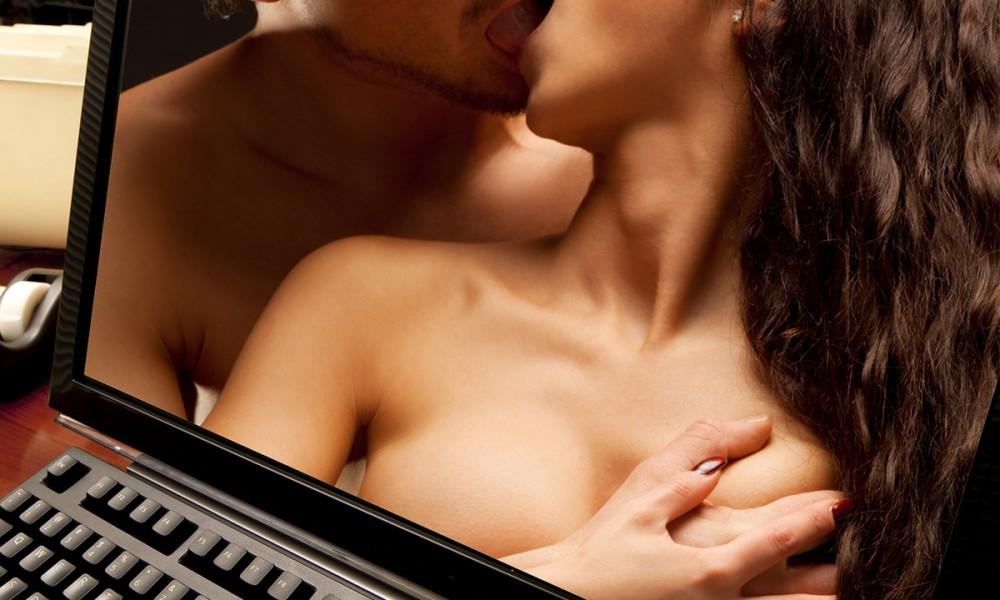 Бьют по половым органам порно