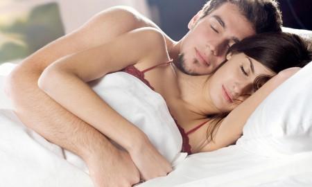 10 поз во сне расскажут о ваших отношениях
