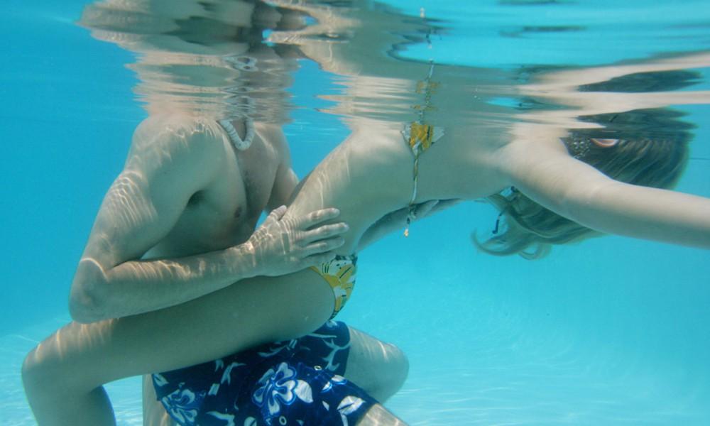 Как занимаются сексом в воде