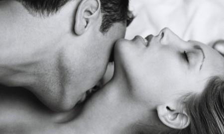 7 мест, куда нужно целовать женщину, кроме губ