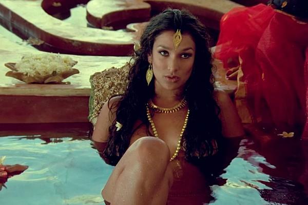 Hot nude greek women