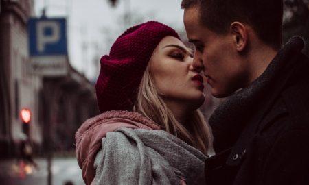 Французский поцелуй: вся правда о романтическом ритуале